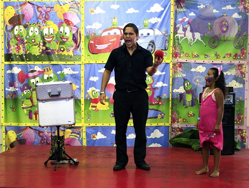 Magician at Bugz Family Playpark, Cape Town