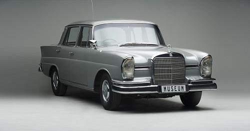 Franschhoek Motor Museum - 1964 MERCEDES-BENZ 230S AUTO SEDAN
