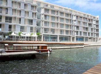 Harbour Bridge Hotel, Cape Town Hotels, Cape Town