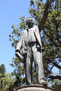 Cecil John Rhodes, Cape Town Statues