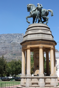 Delville Wood Memorial, Cape Town Statues