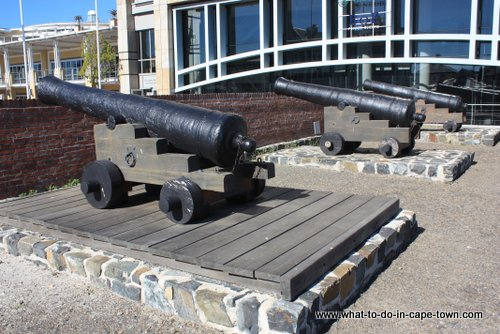 Cannon at The Chavonnes Battery Museum